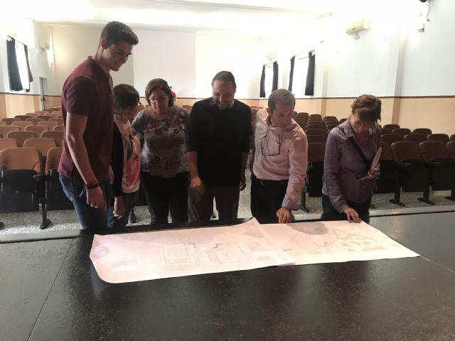 L+A arquitectos & The Pink Panther Collective, equipo ganador del Concurso de Ideas para la Rehabilitación Integral del Centro Cívico de Roldán, visitan el edificio para adecuar el proyecto a las instalaciones - 2, Foto 2