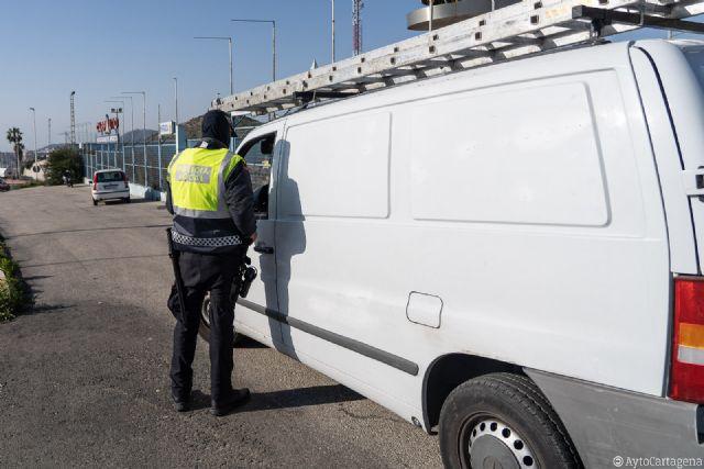 La Policía Local de Cartagena se suma a la Campaña Especial de vigilancia y control de furgonetas de la DGT - 1, Foto 1