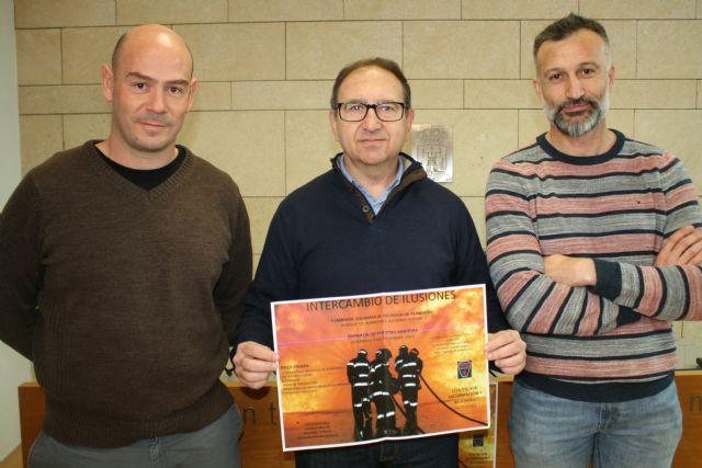 El Parque de Bomberos de Totana-Alhama promueve la I Campaña de Recogida de Alimentos bajo el título