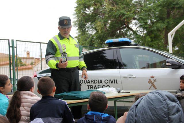 La Guardia Civil organiza una exhibición en el colegio Asunción Jordán de Puerto Lumbreras - 1, Foto 1