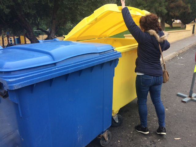 The public awareness campaign to promote the recycling culture with the Mobile Information Point (PIM) in the different neighborhoods continues, in collaboration with Ecoembes, Foto 5