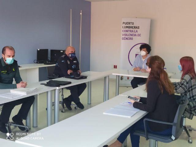 La mesa local contra la violencia de género se reúne para planificar nuevas medidas de actuación en Puerto Lumbreras - 1, Foto 1