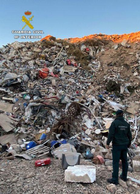 La Guardia Civil desmantela un enorme vertedero clandestino en Fuente Álamo - 4, Foto 4