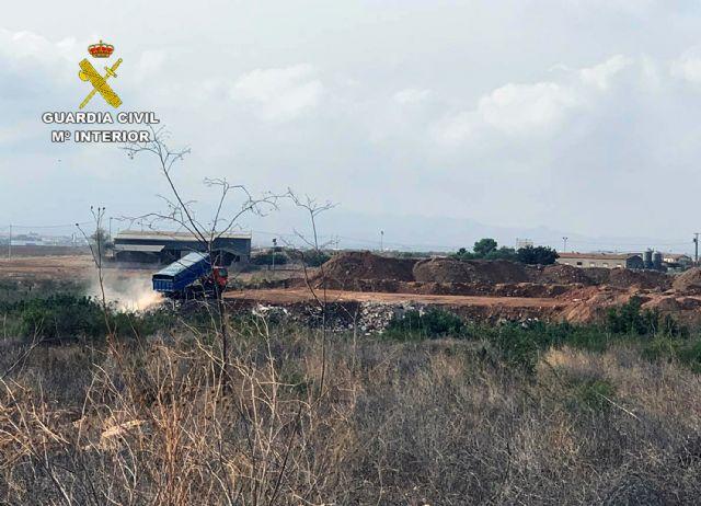 La Guardia Civil desmantela un enorme vertedero clandestino en Fuente Álamo - 5, Foto 5