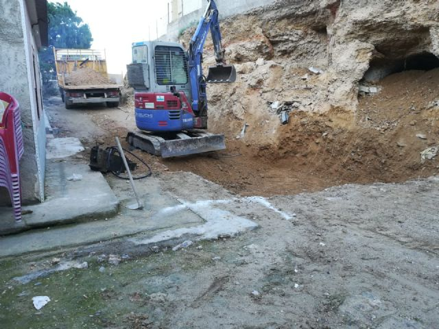 Infraestructuras está realizando obras para evitar un desprendimiento de tierras en Torreagüera - 1, Foto 1
