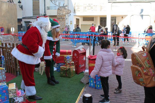 Papa Noel visita Archena y recibe a niños y niñas cumpliendo con todas las medidas anticovid - 3, Foto 3