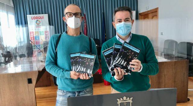 El Ayuntamiento de Lorquí colabora en la edición de un libro para la inclusión de personas con discapacidad intelectual a través del teatro - 1, Foto 1
