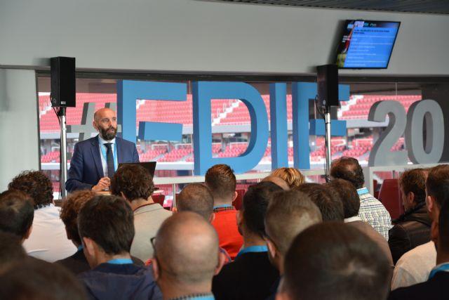 Monchi, Director Deportivo del Sevilla F.C. Es más fácil equivocarse menos si cuentas con más datos objetivos que subjetivos - 2, Foto 2