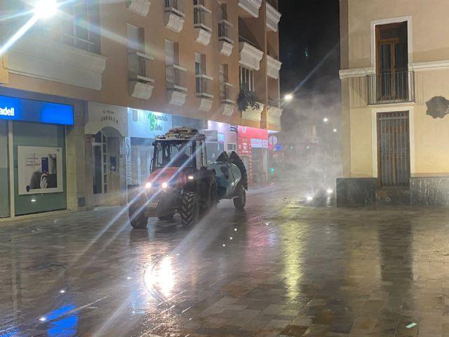 Los tractores vuelven a desinfectar las calles de San Pedro del Pinatar - 2, Foto 2