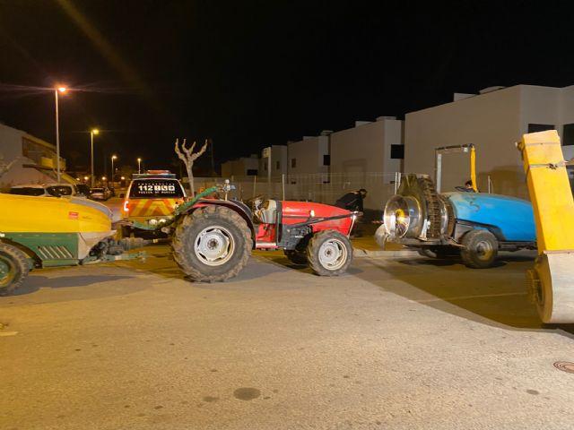 Los tractores vuelven a desinfectar las calles de San Pedro del Pinatar - 3, Foto 3