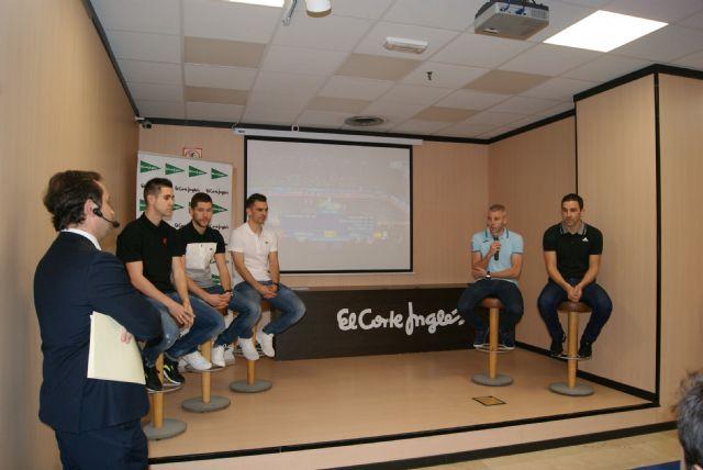 El Corte Inglés rinde Homenaje a los Campeones de Europa de ElPozo Murcia F.S. - 4, Foto 4