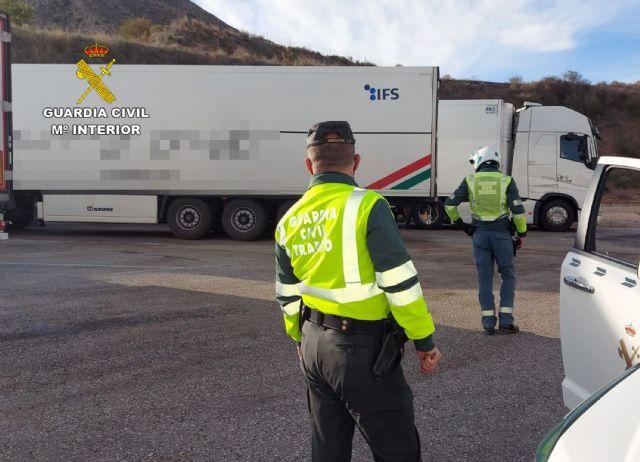 La Guardia Civil investiga al conductor de un camión que sextuplicaba la tasa máxima de alcohol - 1, Foto 1