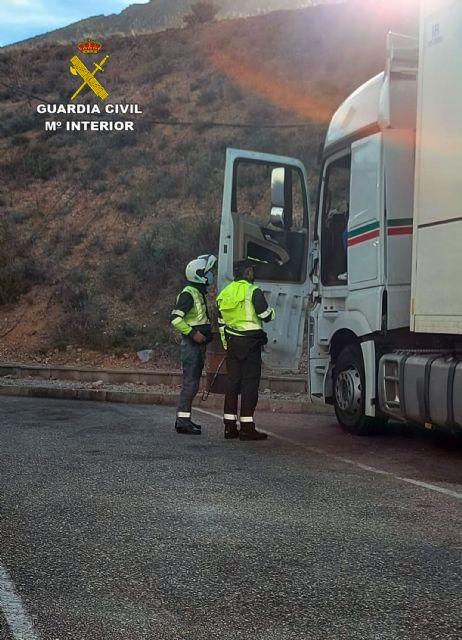 La Guardia Civil investiga al conductor de un camión que sextuplicaba la tasa máxima de alcohol - 2, Foto 2