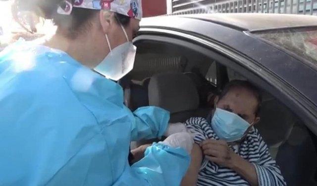 Comienza la vacunación frente al COVID-19 a grandes dependientes y mayores de 80 años de Totana - 1, Foto 1
