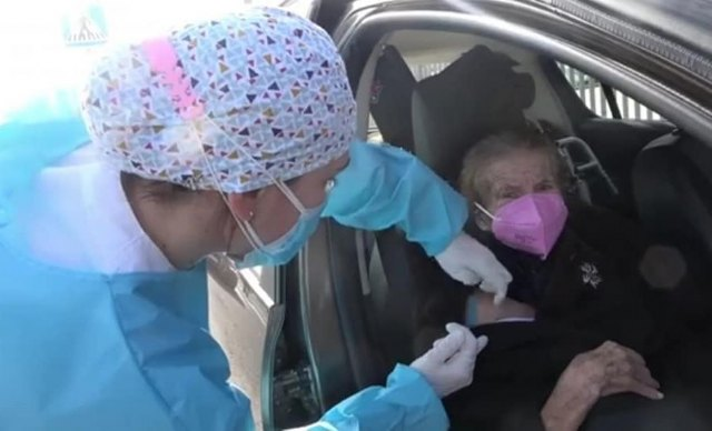 Comienza la vacunación frente al COVID-19 a grandes dependientes y mayores de 80 años de Totana - 3, Foto 3