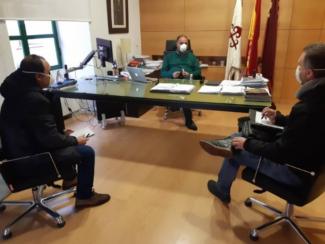 The mayor holds a meeting with municipal officials in the area of ​​Social Welfare to coordinate aid and actions for the most vulnerable families