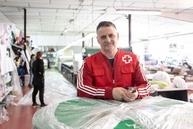 Mobel Sport colabora con Cruz Roja Totana fabricando material sanitario de protecci�n, Foto 4