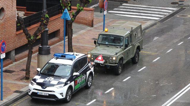Las Fuerzas Armadas llegan a Molina de Segura para colaborar en la vigilancia y control de circulación de vehículos y personas y en las labores de desinfección de puntos sensibles para prevenir la expansión del COVID-19 - 1, Foto 1