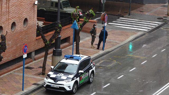 Las Fuerzas Armadas llegan a Molina de Segura para colaborar en la vigilancia y control de circulación de vehículos y personas y en las labores de desinfección de puntos sensibles para prevenir la expansión del COVID-19 - 3, Foto 3