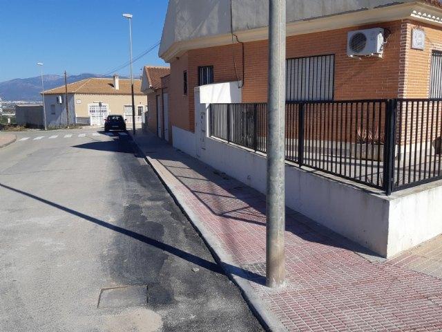[Finalizan las obras de renovación de las redes y acometidas de agua potable en las calles Escorial y Pernales en la pedanía de El Paretón