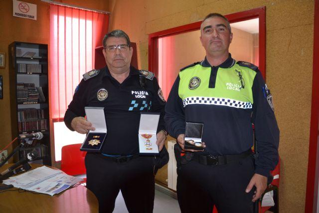 Distinguidos dos agentes de la Policía Local de Calasparra por su buen servicio a los ciudadanos - 1, Foto 1