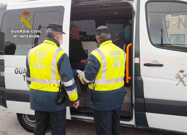 La Guardia Civil intercepta al conductor de un camión articulado de gran tonelaje que superaba seis veces la tasa máxima de alcoholemia - 2, Foto 2