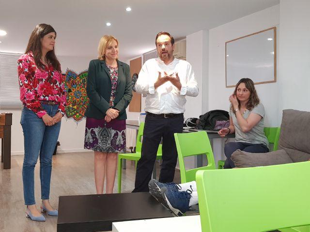 Familia subvenciona con más de 65.000 euros tres proyectos de la asociación Albores a través de la ´X solidaria´ del IRPF - 1, Foto 1