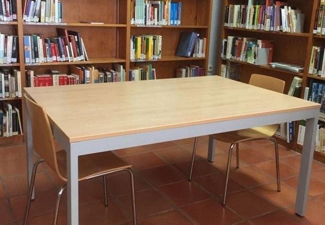 """[Desde hoy lunes 24 de mayo, se amplía el número de puestos de estudio y el aforo de la Biblioteca Municipal """"Mateo García"""""""