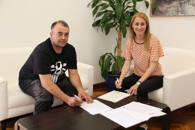 El Consistorio renueva su convenio de colaboración con el Moto Club Alhama, Foto 1