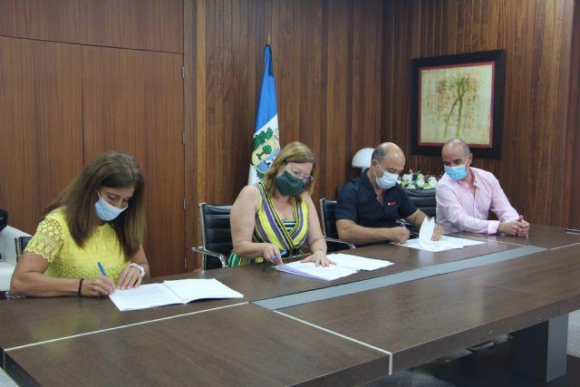 Firman un convenio de colaboración para la práctica deportiva en el Centro de Actividades Náuticas - 1, Foto 1