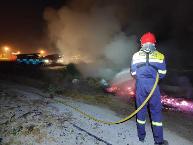 El Servicio Municipal de Emergencias interviene en siete conatos de incendio y hogueras descontroladas realizadas con motivo de 'La Noche de San Juan' - 1, Foto 1