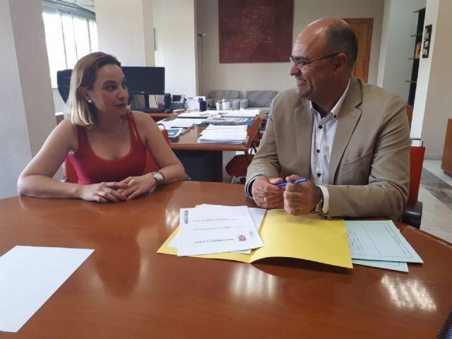 El alcalde recibe del IMAS la autorización administrativa para reformar el Centro de Día para personas mayores - 1, Foto 1