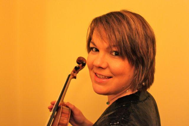 El violín de la santanderina María Saiz San Emeterio canta en la catedral cántabra las Canciones populares de Falla - 2, Foto 2
