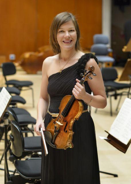 El violín de la santanderina María Saiz San Emeterio canta en la catedral cántabra las Canciones populares de Falla - 3, Foto 3