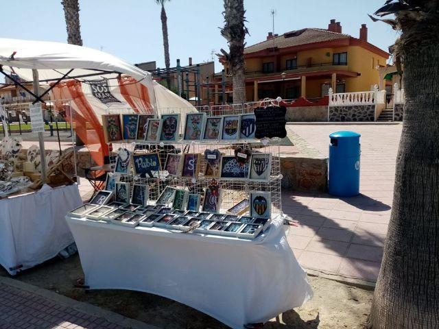 Mercado artesano en Los Alcazares, en el Paseo de la Caleta - 2, Foto 2