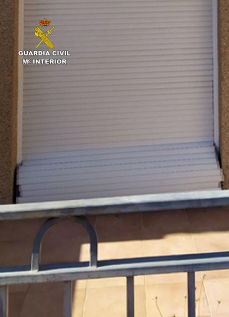 La Guardia Civil sorprende a dos jóvenes en Blanca mientras cometían un robo en una vivienda - 1, Foto 1