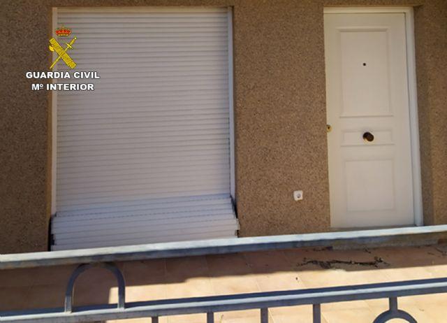 La Guardia Civil sorprende a dos jóvenes en Blanca mientras cometían un robo en una vivienda - 2, Foto 2