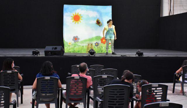 La Cuentacuentos Raquel Torres con Los cuentos de Celia entretuvo a grandes y pequeños - 1, Foto 1
