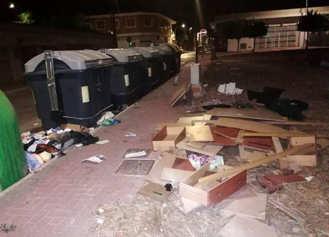 El Ayuntamiento reforzará la vigilancia ante el mal uso de los contenedores, que conlleva sanciones de hasta 750 euros - 2, Foto 2