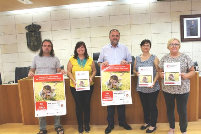 Spanish Red Cross promotes in Totana the family foster care of minors supervised by the Administration