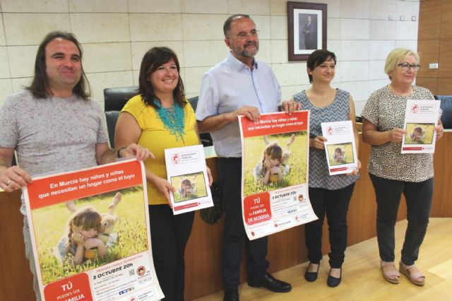 Spanish Red Cross promotes in Totana the family foster care of minors supervised by the Administration, Foto 2