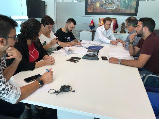 El Ayuntamiento de Torre Pacheco y la Asociación Festera Comisión de Fiestas de Torre Pacheco firman convenio de colaboración - 1, Foto 1