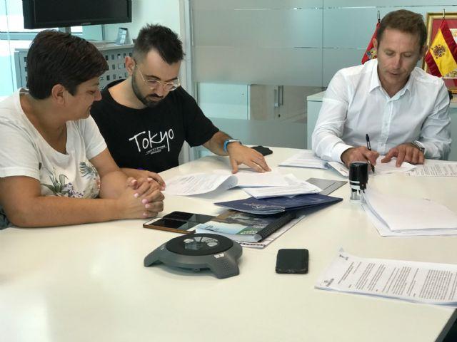 El Ayuntamiento de Torre Pacheco y la Asociación Festera Comisión de Fiestas de Torre Pacheco firman convenio de colaboración - 2, Foto 2
