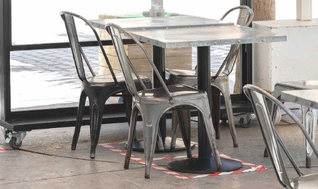 El BORM publica la orden que obliga a las tiendas de alimentos y bebidas a permanecer cerradas desde las 22:00 horas y hasta las 6:00 del día siguiente - 1, Foto 1