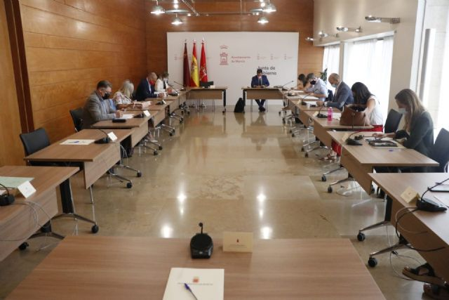 El Ayuntamiento invertirá más de 439.000 euros en el servicio de formación para los 76 Centros Sociales de Mayores - 1, Foto 1