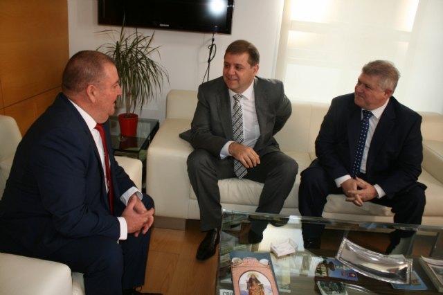 El alcalde se reúne con el presidente nacional de Correos, Foto 3