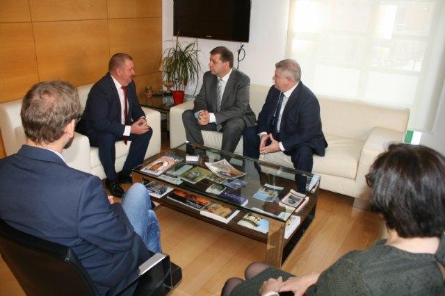 El alcalde se reúne con el presidente nacional de Correos, Foto 4