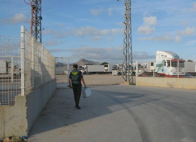 La Guardia Civil desmantela un grupo criminal dedicado a la sustracción de gasóleo bonificado en San Javier - 1, Foto 1