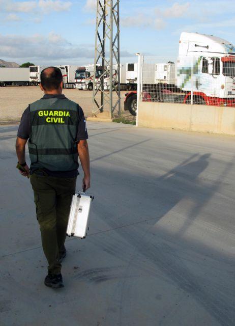 La Guardia Civil desmantela un grupo criminal dedicado a la sustracción de gasóleo bonificado en San Javier - 2, Foto 2