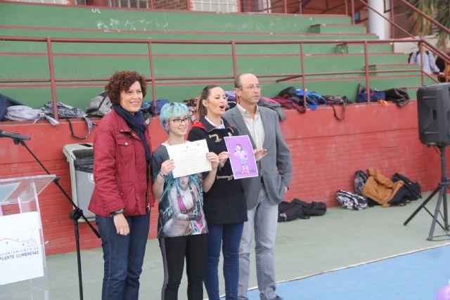 Marina García gana el concurso de dibujo de pegatinas contra la violencia de género - 2, Foto 2